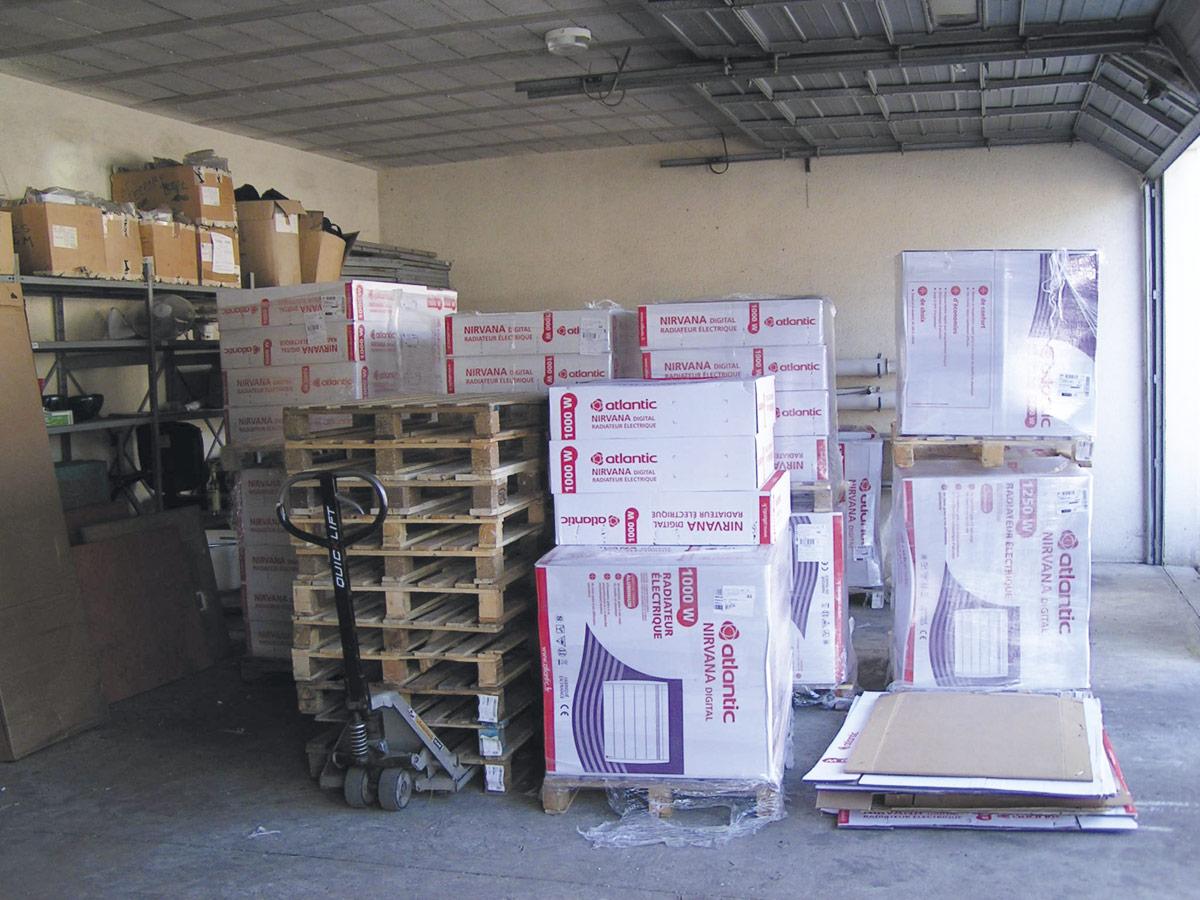 Dimelec électricité générale installation et stockage du matériel et fournitures électriques chauffages et sèches serviettes électriques ATLANTIC à la Gendarmerie de Saint-Médard