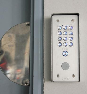 Sécurité accès porte des garages – Biscarrosse